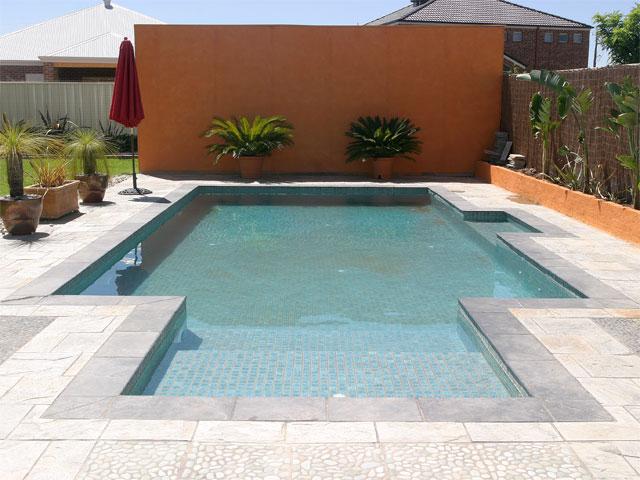 pool-01-lge