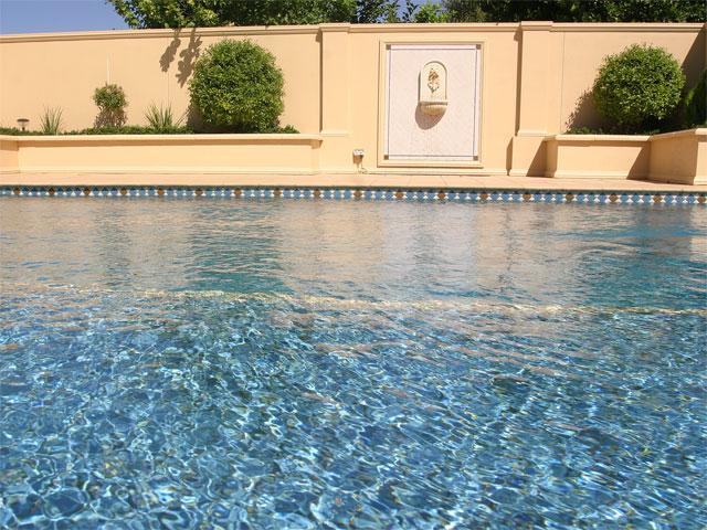 pool-02-lge